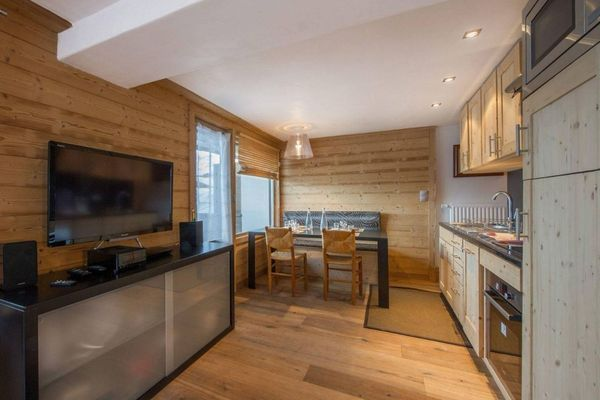 APARTMENT FOR SALE IN COURCHEVEL 1850