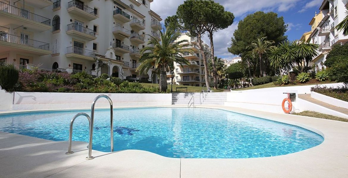 Apartment for Rent in Puerto Banus