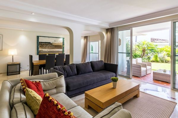 Marbella Apartment ground floor beach front