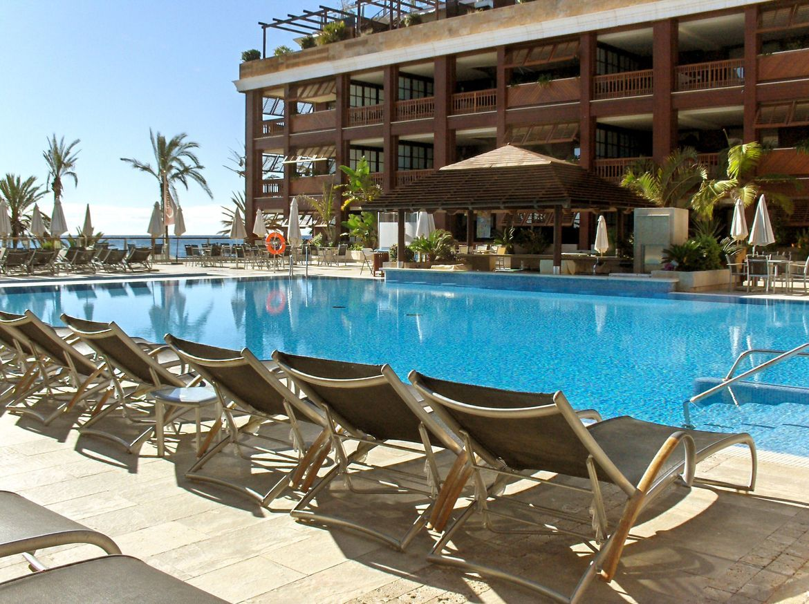 APARTMENT FOR SALE IN MARBELLA GUADALPIN BANUS