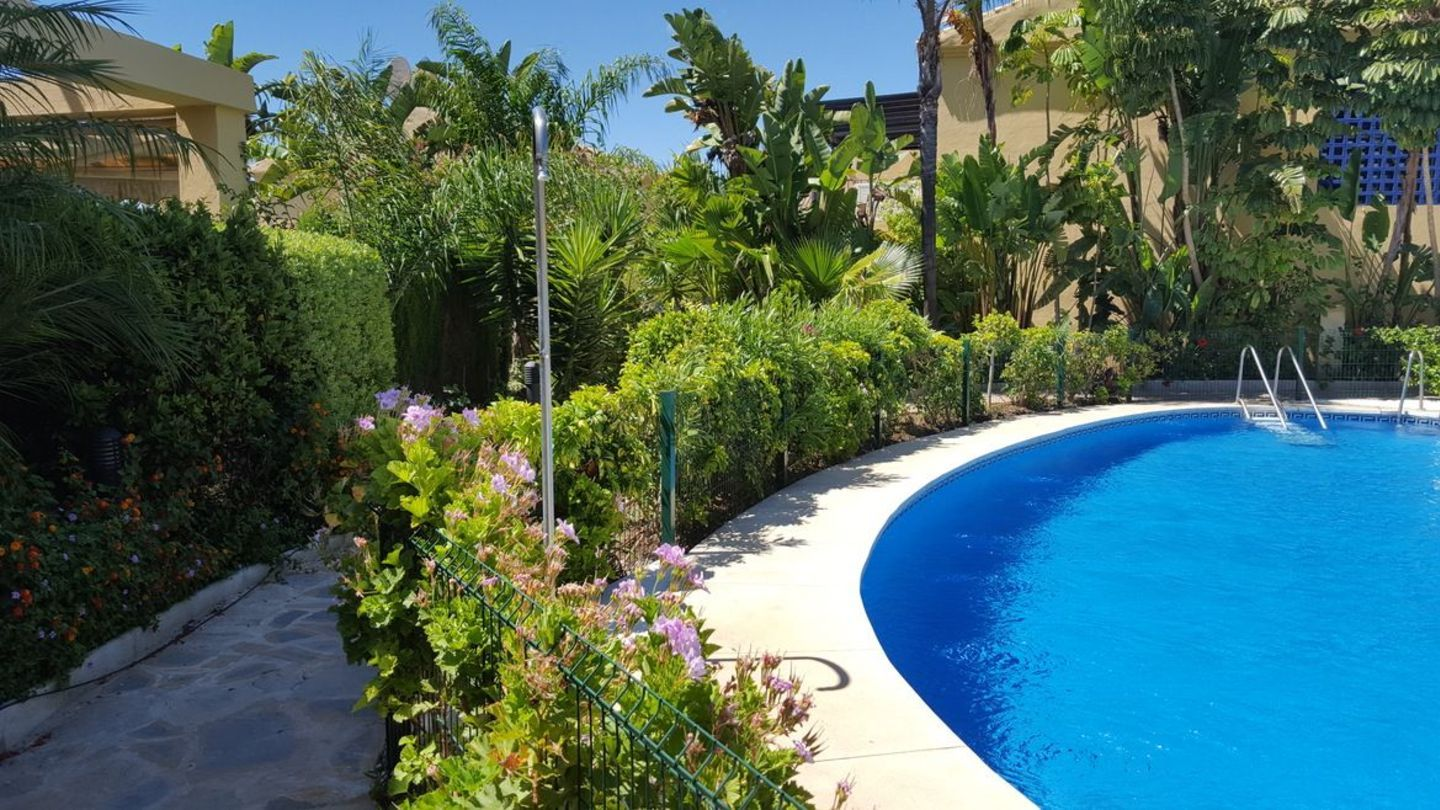 For Sale TownHouse Azalea Beach Marbella